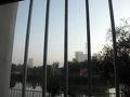 窓からの景色。牢獄ではありませぬぞ! ただ単に、「東湖丸見えだぞ!」の光景をお伝えしたかったのですが…