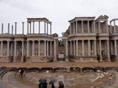 とても保存状態の良いローマ劇場です。