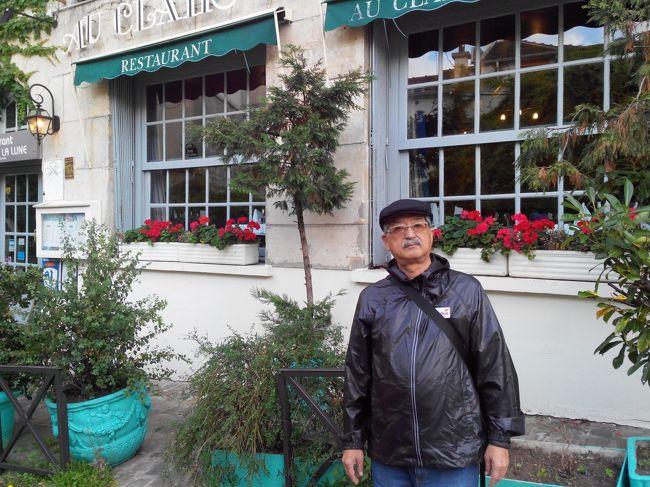 モンマルトルの丘で絵を描いてもらいたい -パリに …