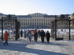 ウィーンといえば、ここ「シェーンブルン宮殿」