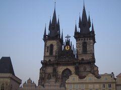 旧市街広場の「ティーン聖母教会」