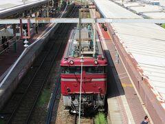今日は新潟駅から山形県の鼠ヶ関に移動します。 新潟駅はいろいろな列車がたくさん見られるので朝から興味深いです。