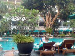 ホテルのプール(アナンタラバンコクリバーサイド)