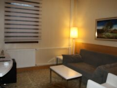 ディヴリー観光を終えてホテルへ戻る。 今回泊まったのはSultan Hotelである。中心部にほど近い三つ星ホテル(ただしトルコと日本の星ランクは違います) 英語OKのビジネスホテルっぽい感じ。  1泊42ユーロと、イスタンブールでもないのにちょっと高い。