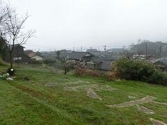禄剛崎に向かいます。 途中から町の方を見たところです。