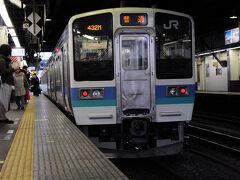 甲府駅には10:37に到着。 実は、どこへ行くかは完全には決めていなかった。 でも、隣のホームから出る普通列車に乗ることにして、 とりあえず韮崎駅へ向かうことにした。