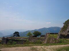 石垣が綺麗に残り、城郭も良く解りました。城マニア必見です。