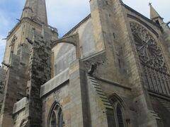 街の中心にある教会