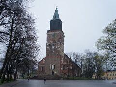 トゥルク大聖堂(Turun tuomiokirkko)とカテドラル広場(Domkyrkotorget)  https://www.turunseurakunnat.fi/portal/fi