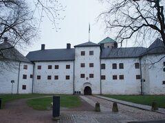 トゥルク城(Turun linna)と城通り(Linnankatu)  http://www.turku.fi/public/?contentid=3593&nodeid=4537