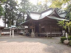 小室浅間神社。 ここも小さい神社です。