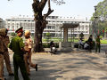 3月16日(金)の午前中、統一会堂(旧南ベトナム大統領官邸)にやってくると、何かの行事があるのか今日は閉鎖になっており、交通警察などが警備に当たっていました。