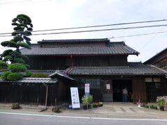 尾高惇忠は、渋沢栄一の論語の師匠でした。 また、妹が渋沢栄一の妻ということで、とてもつながりが深いようです。 初代、富岡製糸工場長です。 製糸工場の女工が集まらなかった時、娘が女工として 名乗りを上げたとか。