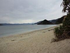 ヤドリ浜 静かなビーチ。 誰もいませんでした。 おっさんの貸k(ry