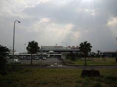 さて、充分に暖まったし帰路につくことにします。  奄美空港に到着