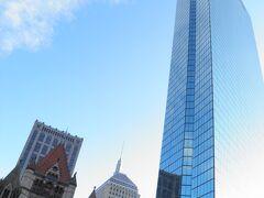 ニューイングランド地方で最も高いジョン・ハンクコック・タワー(テロ以降、登れなくなってしまった・・・)という近代的な建物を見る一方でや教会、図書館など伝統的な石造建築を見て、再び昨日の気持ちが蘇る。