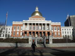 10時に州議事堂を出発して、フリーダム・トレイルと呼ばれるボストンの、いやアメリカ創世記の史跡を巡るトレイルを歩いた。
