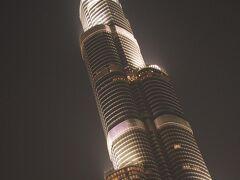 世界一のビル「ブルジュ ハリーファ」高過ぎて収まり切らず。