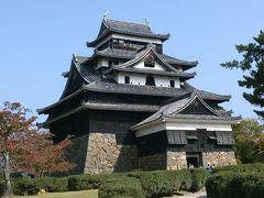 祝)国宝松江城。現存するお城では、姫路城の次に大きいそう。登閣。