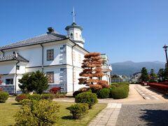 「旧開智学校」( http://youkoso.city.matsumoto.nagano.jp/wordpress_index-p_193-htm )です。