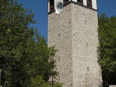 時計塔(Saat Kulesi)  1793年にサドゥラザム・イッゼト・メフメト・パシャ(Izzet Mehmed Pasha)により建てられた時計塔です。   時計塔:http://safranboluturizm.gov.tr/page.asp?ctg=2&id=4 サドゥラザム・イッゼト・メフメト・パシャ:https://en.wikipedia.org/wiki/Izzet_Mehmed_Pasha