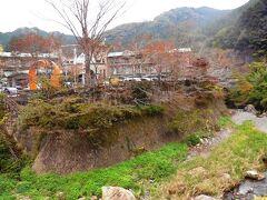 さて、途中休憩地点の休暇村奥武蔵に到着した。ここの温泉ですこし休んだ後、さらに西吾野駅までの2km前後を歩き、そこから電車で秩父へ向かうのだが、それは後編で紹介。