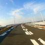 7時37分ホテル出発。無料のアクセス橋を通って高速でシューン。 昨日夕方に渡った橋を逆に渡る。