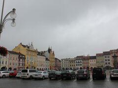 チェスケー・ブディェヨヴィツェ駅から近くにある広場。ひとまず通り過ぎて、ランチを食べに行きます。