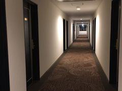 ホテルの4階通路。
