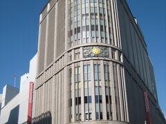 """今回参加する""""日本橋 七福神めぐり""""の受付場所がある、 日本橋三越本店。重厚な建物だなぁ〜!"""