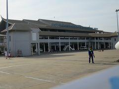 首都にしては小ぶりな空港。ワットタイ国際空港と呼ぶらしい。