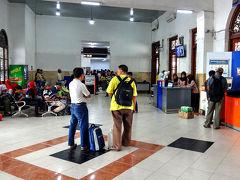 Surabaya Gubeng駅を下見に来ました。