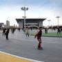 平壌市内にあるローラースケート場 結構、人が多くて驚きました。