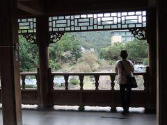 至善園です。  上の写真の右側にある、中国風の東屋を配した公園です。  人がほとんどいません。故宮の入場券を見せれば無料だし、故宮の喧噪を忘れさせてくれる静寂はエネルギー補充に最適なため、立ち寄るべき場所の一つだと考えます。