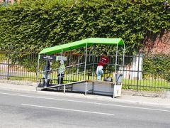 グアテマラシティにはグリーンの大型バス、トランスメトロが走っており、専用の乗り場には警察が配備されているので、安心感はある。