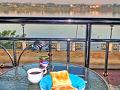 1月21日(月)。 朝日を受けて流れるメコン川とラオスの岸辺を眺めながら、ノーンカーイの宿で軽く朝食をとり、9時にチェックアウト。