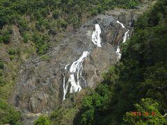 ゴンドラより見た勇壮なバロン滝