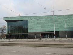 2014/11/30 ヘルシンキ・ミュージック・センター  ヘルシンキのデザインビル群に2011年にオープン!! ここは、コンサート・ホールを熱望していたフィンランドの音楽家とオーケストラのニーズに応えるために建設されました・・・