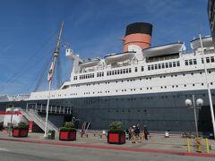 今回の宿はここThe Queen Mary。前回は食事だけだったんで趣味に走ってしまいました。  http://www.queenmary.com/