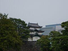 宮内庁庁舎の反対側には江戸城の面影。
