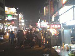 台中駅から中華路夜市に向かった