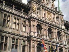 アントワープ市庁舎です。1561年~1565年に建てられました。ルネッサンス様式の建物です。フランドルとイタリア両方の影響を受けています。