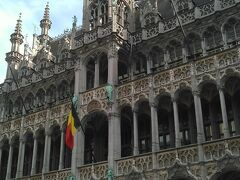 ブリュッセル市立博物館  536年建造の美しいファザードを持つ石造りの館。 小便小僧のワードローブがあります。