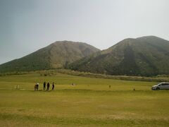 翌朝、三瓶山西の原に行ってみました。 芝生が広がる心地良い場所です。