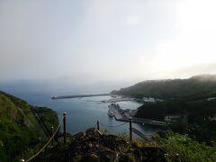 小剣先山から望む港