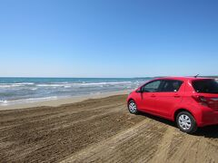 まだまだ食べたい気持ちを抑えて、次の目的地渚のドライブウェイへ。 日本で唯一砂浜を走れる場所です。世界でも3箇所しかないそうです。 http://www.city.hakui.lg.jp/sypher/www/section/detail.jsp?id=595