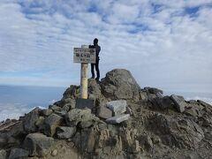 仙丈ヶ岳(3032m)に登頂! 今年初めての3000m超えです。