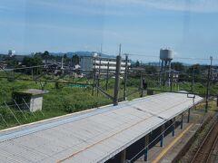 40分で坂町に到着 ここは村上市に位置する駅 お〜給水塔とターンテーブルが残っているよ