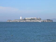 アルカトラズ島が海の向こうに見える。