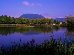 毎年春夏秋冬問わずに撮影する、矢ケ崎公園。 ここから浅間山を見ると、軽井沢に来た実感です。  今日の浅間山は、雲海の中にうっすら姿を見せてるね。